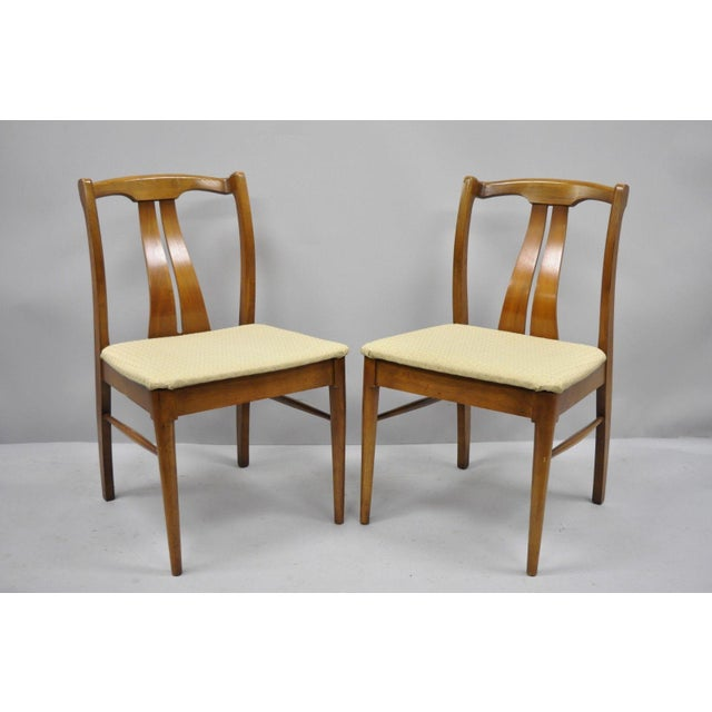 Mid-Century Modern Vintage Mid-Century Modern Curved Back Walnut Dining Chairs - Set of 4 For Sale - Image 3 of 12