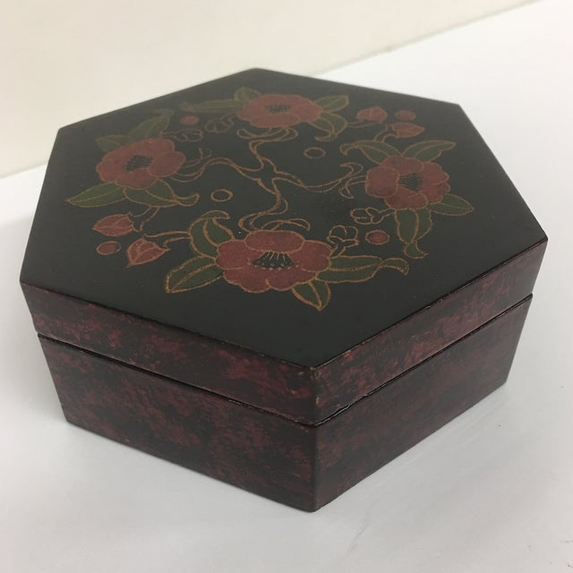 Vintage Lacquer Hexagon Box For Sale - Image 4 of 8