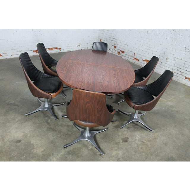 Mid-Century Dinette Set With Aluminum Base - Image 3 of 11