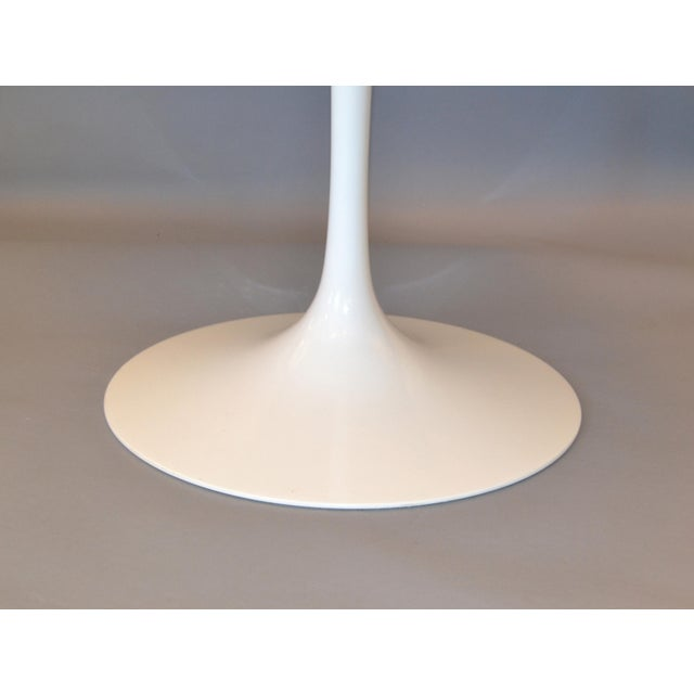 White Original Eero Saarinen Round Antique White Laminated Tulip Dining Table Knoll For Sale - Image 8 of 13