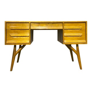 Jack Van Der Molen Jamestown Lounge Danish Style Oak Desk For Sale