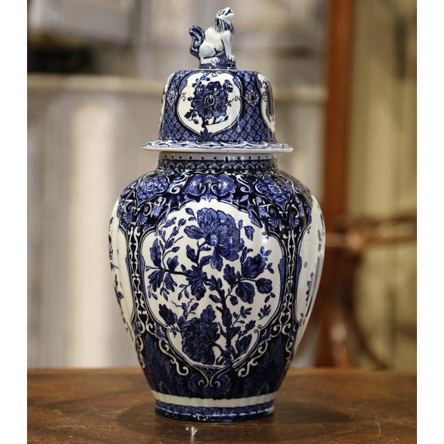 Traditional Mid-Century Dutch Faience Blue and White Painted Delft Ginger Jar With Lid For Sale - Image 3 of 10