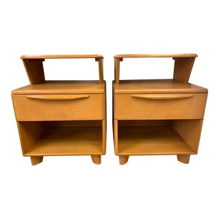 Mid Century Heywood Wakefield Encore Champagne Maple Nightstands- A Pair For Sale