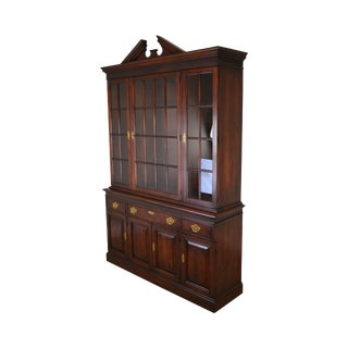 Statton Oldtowne Cherry Chippendale Style China Cabinet Breakfront For Sale