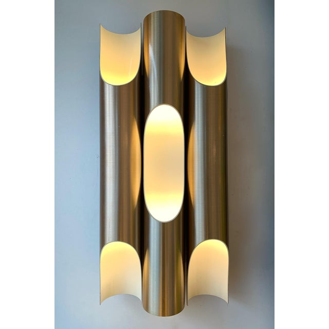 Hollywood Regency Pair of Maxi Fuga Sconces Gilt Metal by Komulainen for Raak Amsterdam. 1970s For Sale - Image 3 of 12