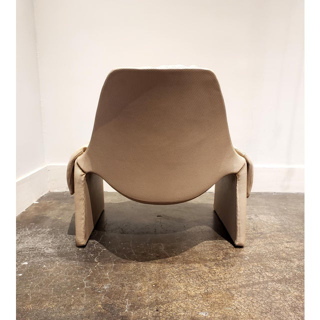 Plastic P60 Lounge Chair and Ottoman by Vittorio Introini for Saporiti For Sale - Image 7 of 9