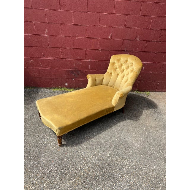 French French Napoleon III Chaise Longue in Gold Velvet For Sale - Image 3 of 13