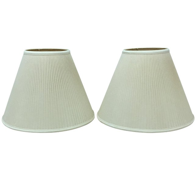 Ivory/White Linen Lampshades - a Pair - Image 1 of 5