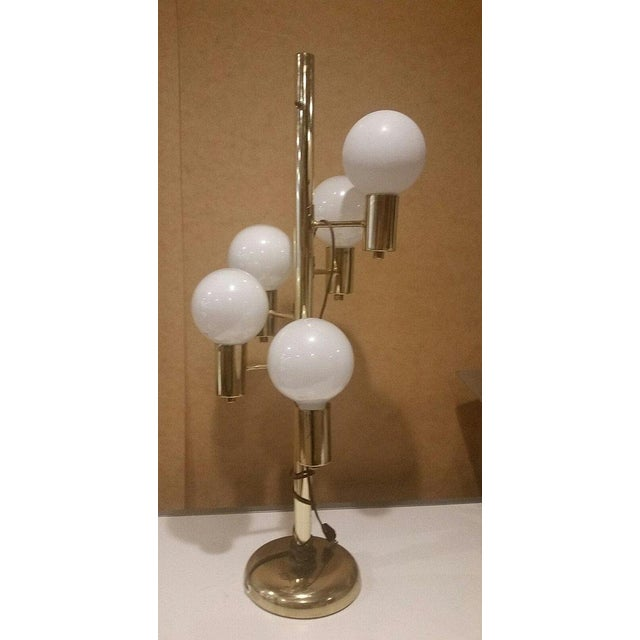 Bauhaus Mid-Century Brass Tone With 5 Globe Lights Table Lamp For Sale - Image 3 of 3