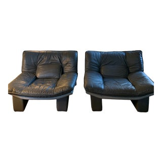 1970s Vintage Italian Nicoletti Grey Leather Club Chairs - a Pair For Sale