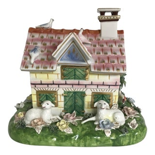 Vintage Mottahedeh Porcelain Cottage Covered Box Made in Italy For Sale