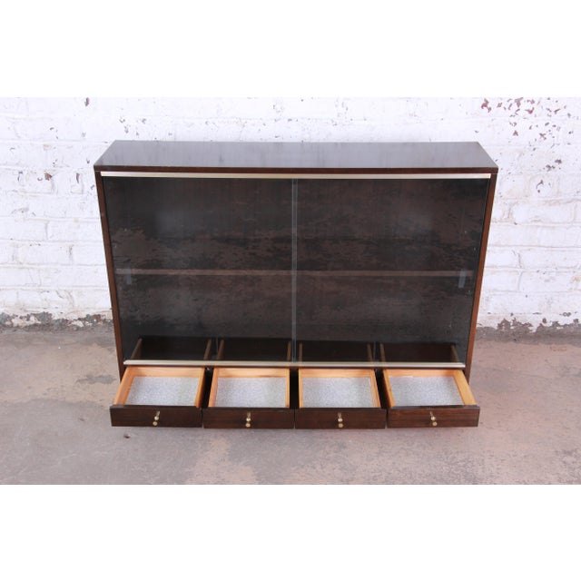 """1950s Paul McCobb for Calvin """"Irwin Collection"""" Mahogany Glass Front Cabinet or Bookcase For Sale - Image 5 of 13"""