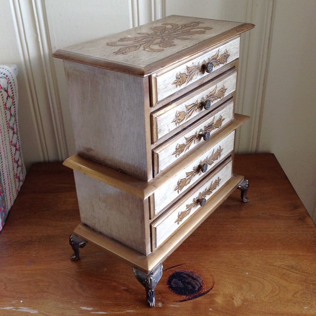 Mid-Century French Provincial Jewelry Box For Sale - Image 9 of 9