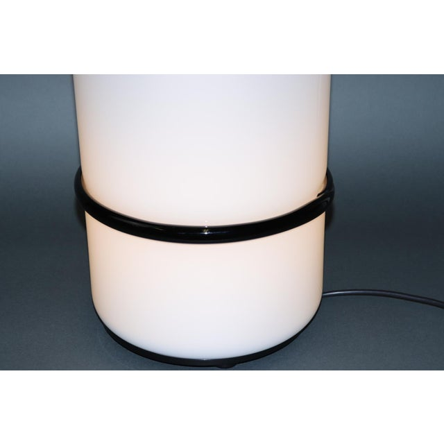 Mid-Century Modern Murano Glass Table Lamp with Red Accent For Sale - Image 9 of 12