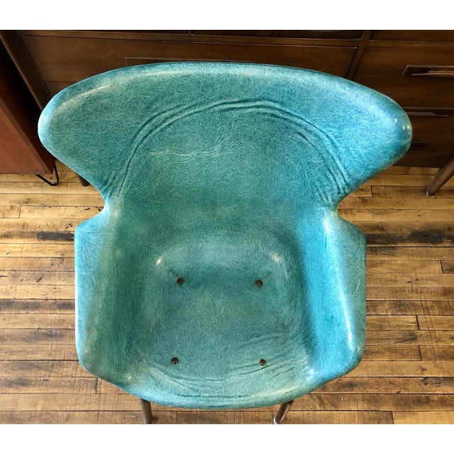 1960s Vintage Mid Century Lawrence Peabody Fiberglass Wingback Armchair in Green 1960s For Sale - Image 5 of 8