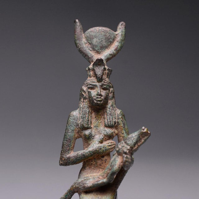 15th Century & Earlier Bronze Seated Figure of Isis and Horus For Sale - Image 5 of 6