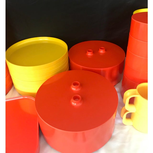 Italian Massimo Vignelli for Heller Melamine Multi-Colors Dinnerware Set - 83 Pieces For Sale - Image 11 of 13