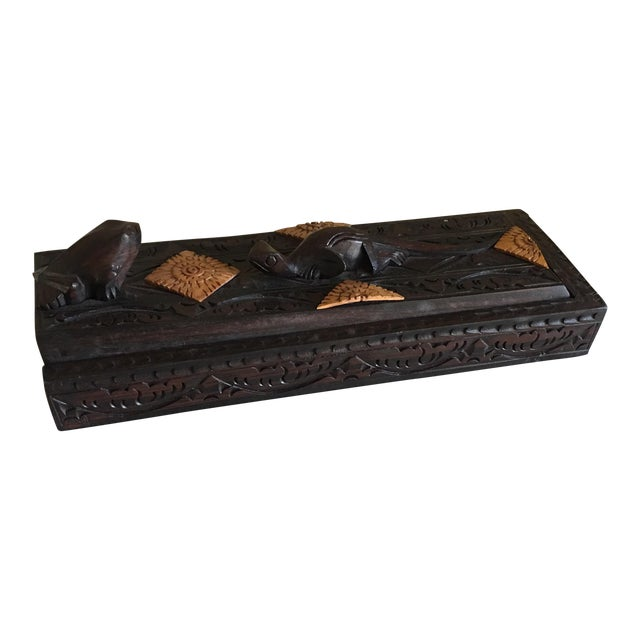 Frog and Lizard Box of Handcarved Chopstick - Set of 8 For Sale