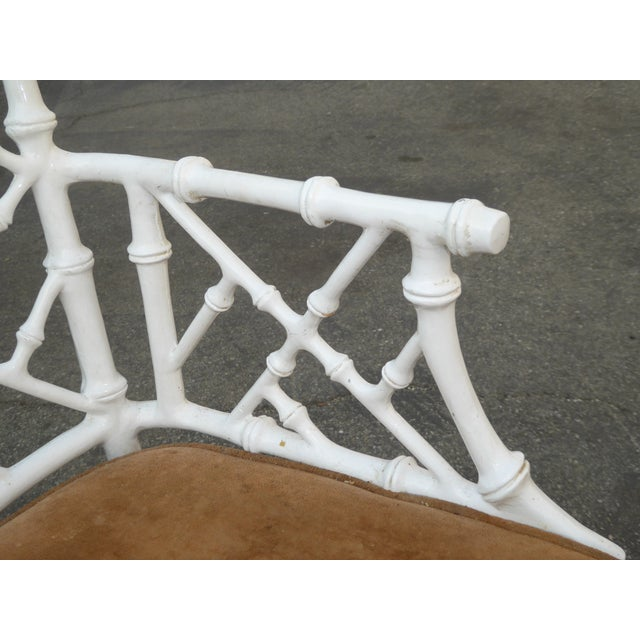 1950s Vintage Mid Century Modern White Faux Bamboo Chinese Chippendale Swivel Chair For Sale - Image 5 of 8