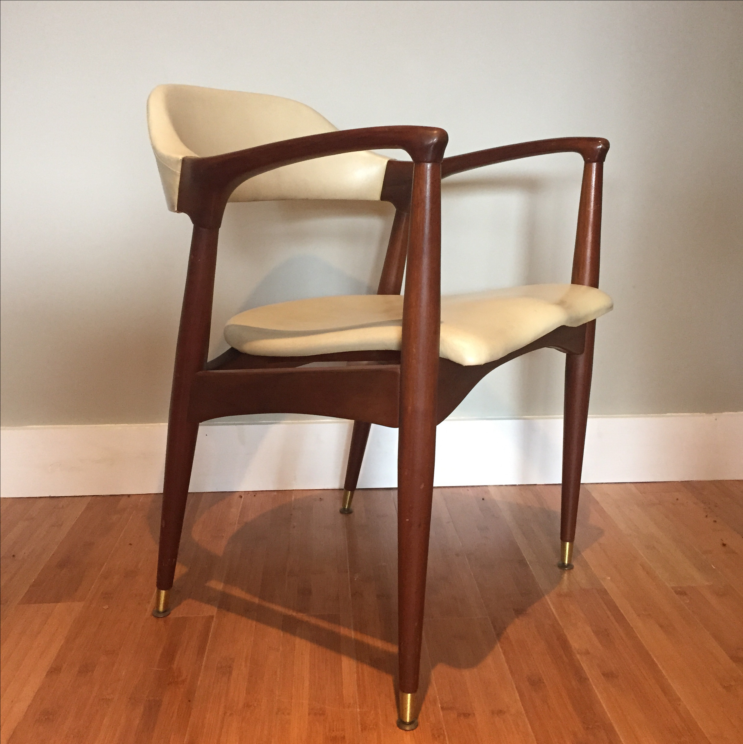 Mid Century Modern Chair By Jamestown Lounge Co   Image 2 Of 10