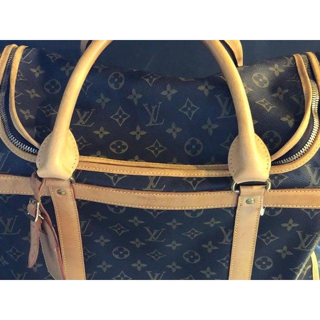 Canvas Louis Vuitton 40 Monogram Canvas Luggage Bag For Sale - Image 7 of 12