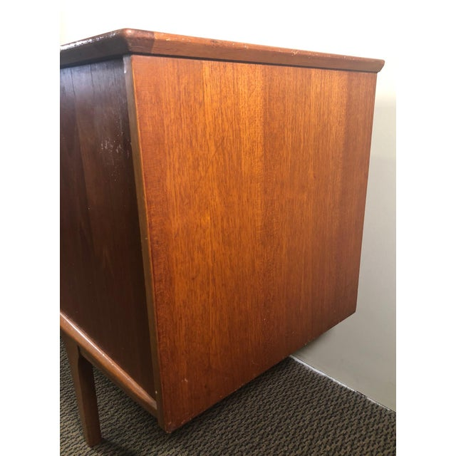 Brown Midcentury Teak Credenza Sideboard by Jentique For Sale - Image 8 of 13