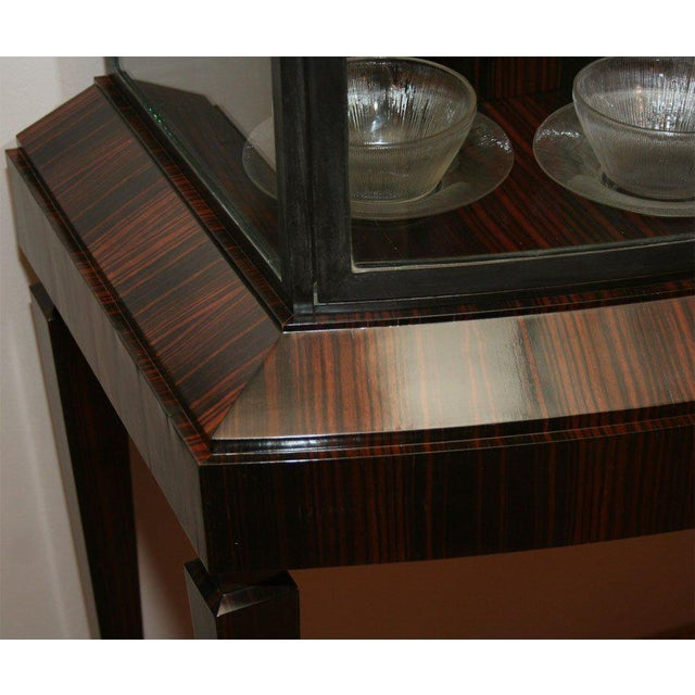 Brown Art Deco Illuminated Vitrine For Sale - Image 8 of 10