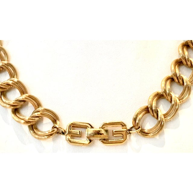 """20th Century Givenchy Gold """"Gg"""" Logo Double Chain Link Choker Necklace For Sale In West Palm - Image 6 of 7"""