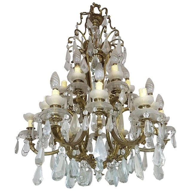 20th Century Italian Gilded Bronze and Crystals Chandelier For Sale