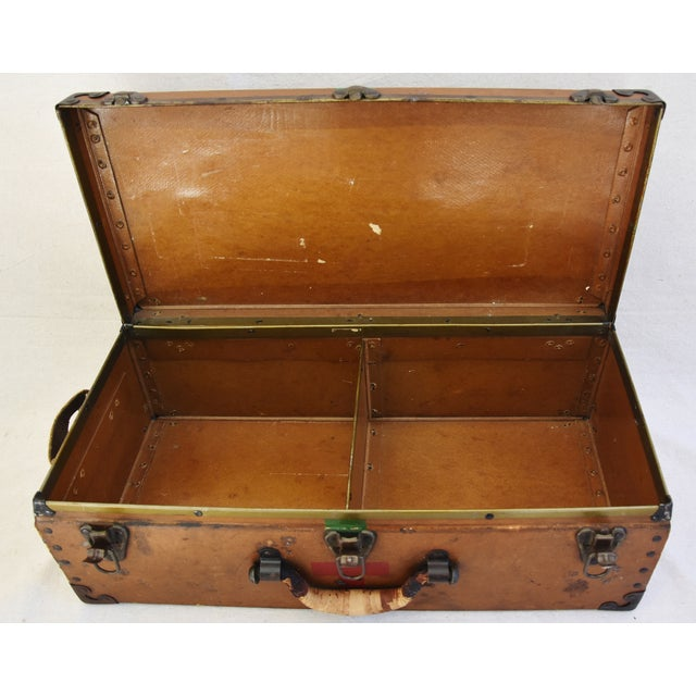 Circa 1940s Military Medical Suitcase w/ Cross For Sale - Image 9 of 11