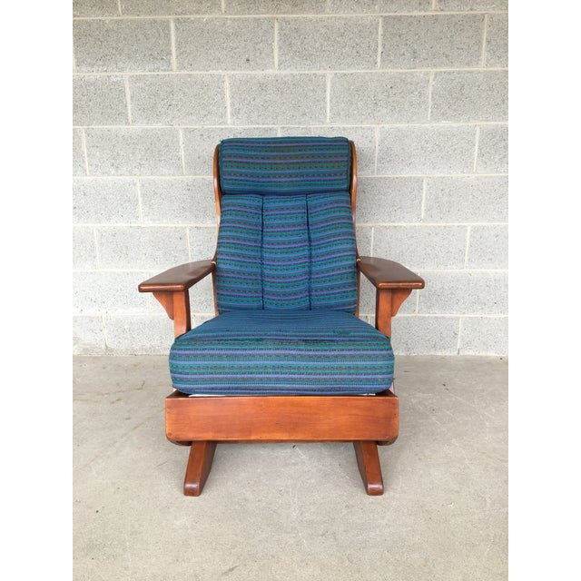 British Colonial Circa 1930's Cushman Colonial Creations Plymouth Platform Rocker For Sale - Image 3 of 9