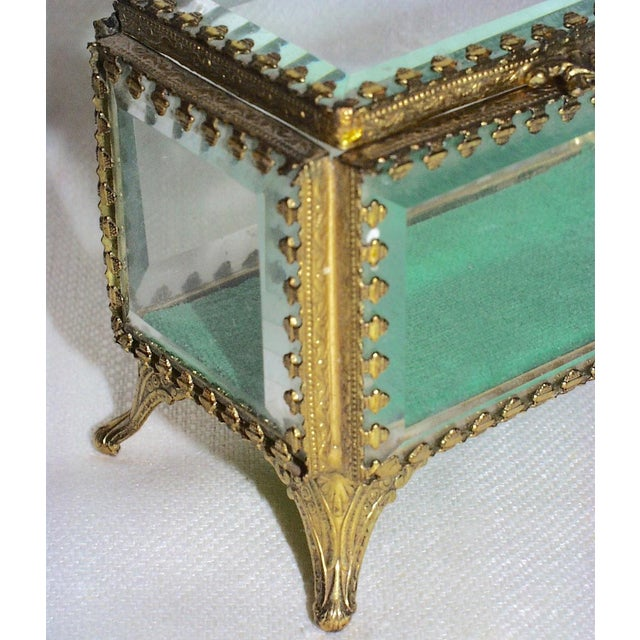 19th Century French Beveled Glass and Brass Jewel-Trinket Box For Sale In San Francisco - Image 6 of 9
