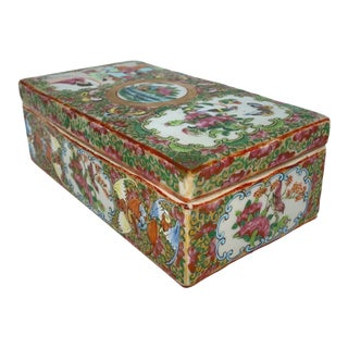 Chinese Export Porcelain Rose Medallion Brush Box With Bats, Canton, Ca. 1870 For Sale