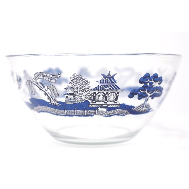 "1990s Vintage ""Blue Willow"" Glass Serving Bowl by Johnson Brothers For Sale - Image 5 of 10"