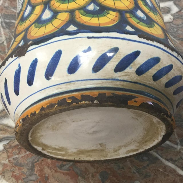 Boho Chic 17th Century Italian Yellow Maiolica Pottery Albarello Drug Jar For Sale - Image 3 of 9