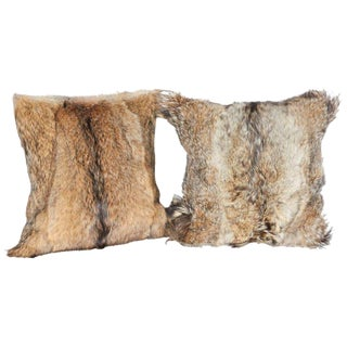 Pair of Luxury Fur Throw Pillows in Genuine Coyote and Cashmere For Sale