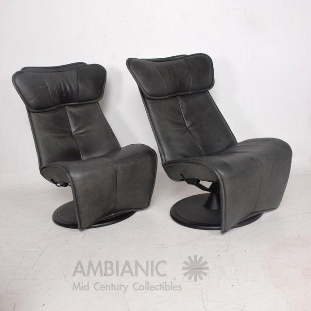 Green Pair of Contura Zero Gravity Recliner Chair by Modi, Hjellegjerde For Sale - Image 8 of 10