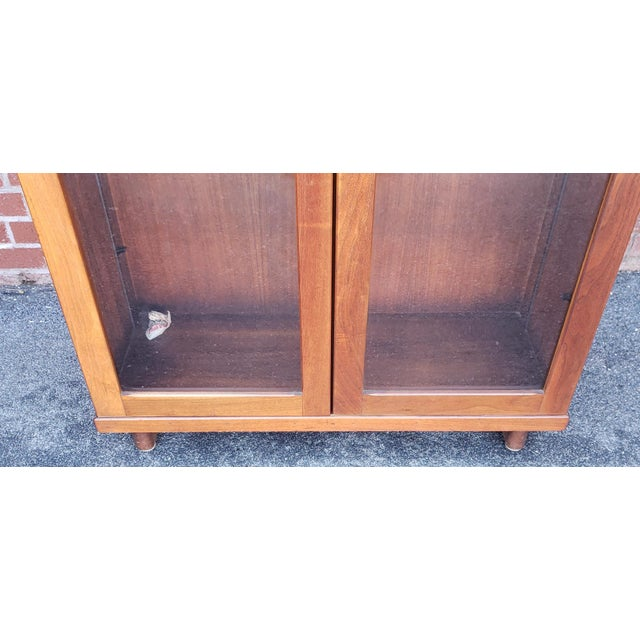Very Nice 1930s Walnut Double Glass Door Hallway Bookcase Cabinet For Sale In New York - Image 6 of 9