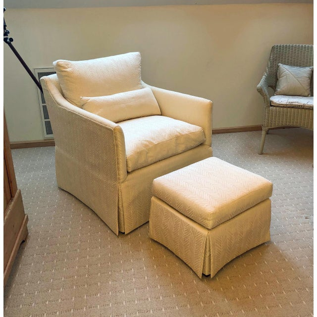 Groovy Transitional Lounge Chair And Ottoman Set 2 Pieces Bralicious Painted Fabric Chair Ideas Braliciousco