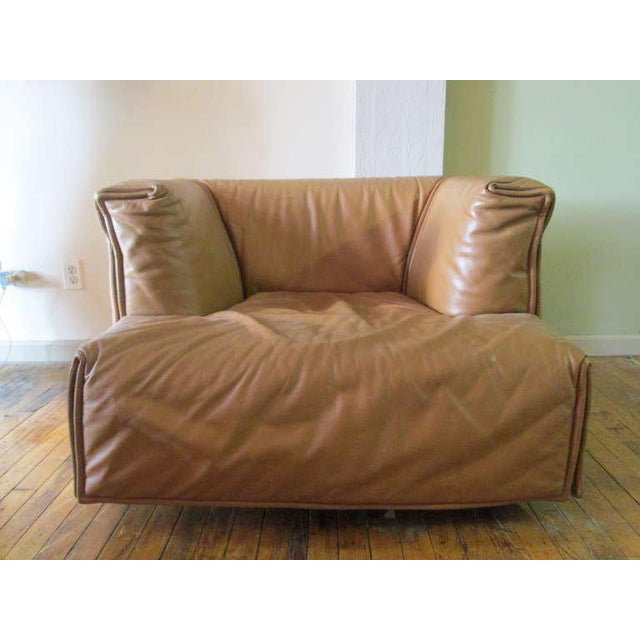 Wonderful, soft and comfortable leather Italian chair. Well designed.