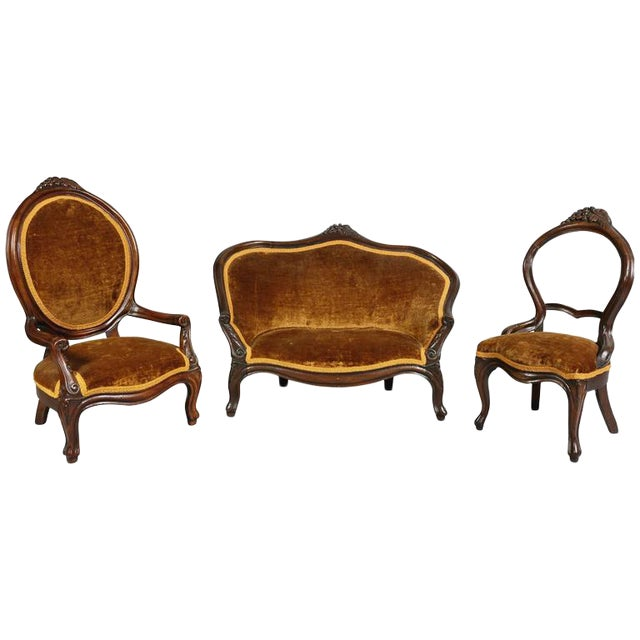 Unusual Suite of American Victorian Walnut Miniature Seating Furniture For Sale