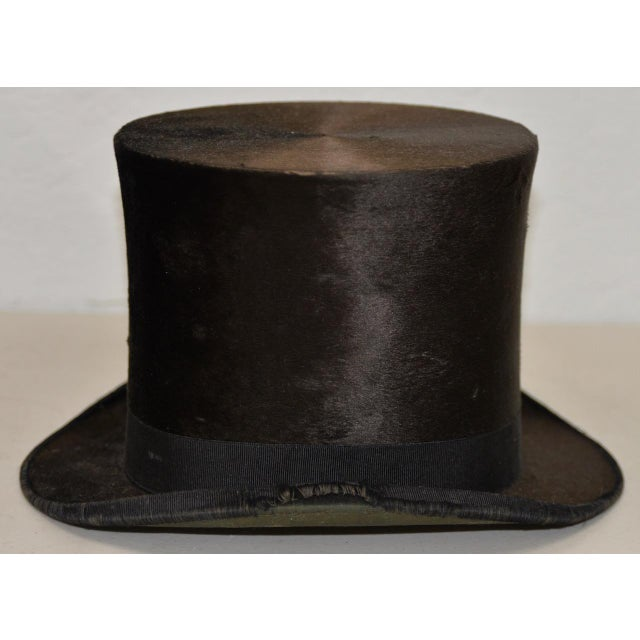 1800s Dunlap & Co. Top Hat & Leather Hat Box by Collins & Fairbanks Co. For Sale - Image 4 of 10