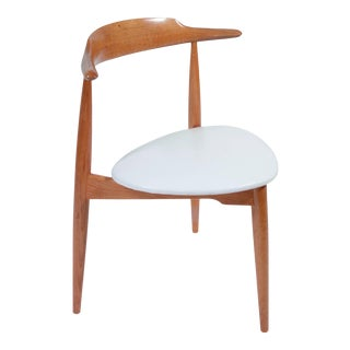 Hans Wegner Heart Chair Fh 4103 in Oak and Cow Hide For Sale