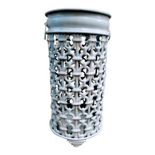 Beautiful Chain Link Metal White Gloss Umbrella Stand Holder For Sale
