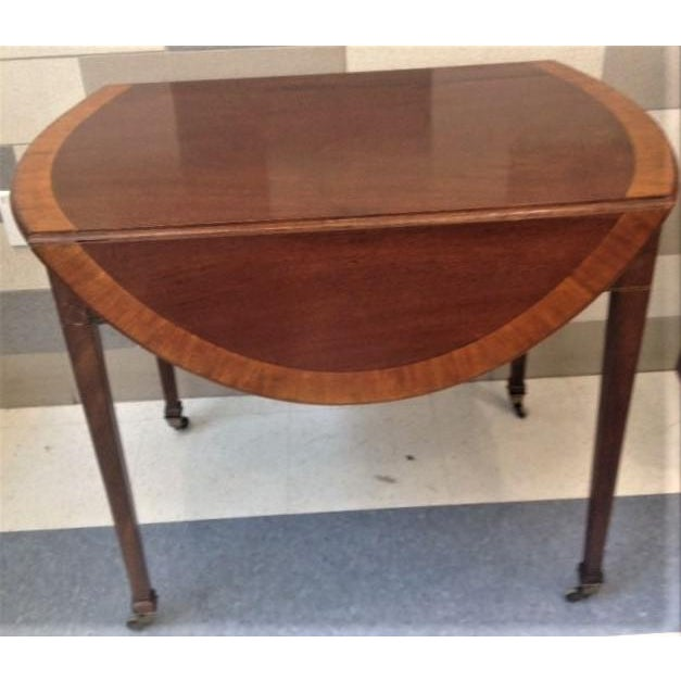 18th Century English Hepplewhite Inlaid Mahogany Pembroke Table With Oval Leaves For Sale - Image 10 of 13