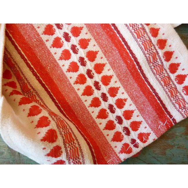 Red and White Table Runner - Image 5 of 6