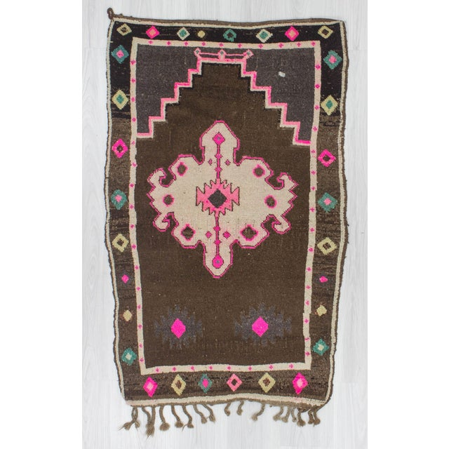 Vintage small rug from Kars region of Turkey.İn good condition.Approximately 40-50 years old