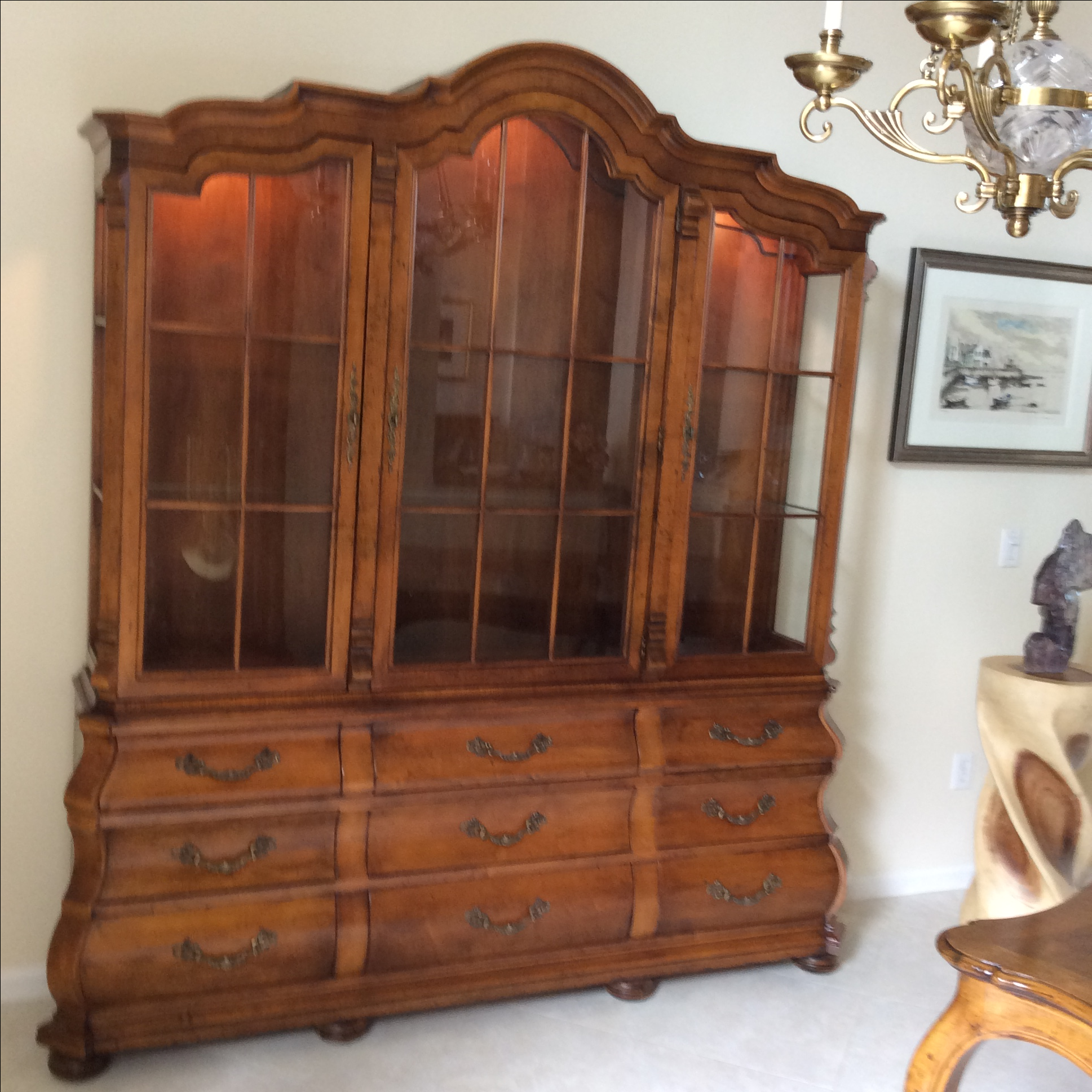Beau Henredon French Provincial Pecan Display Cabinet   Image 2 Of 8