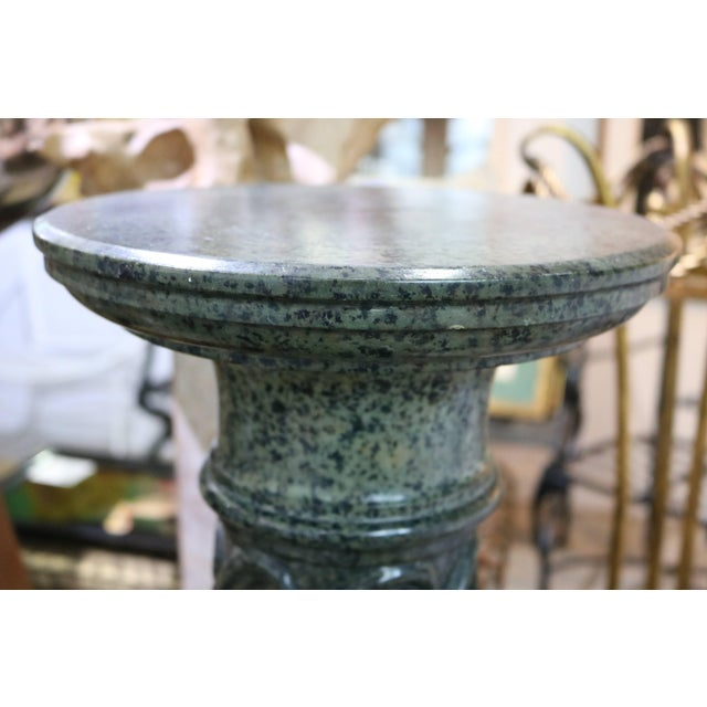 Late 19th Century Dark Green Marble Pedestal Italian Renaissance Late 19th Century For Sale - Image 5 of 7