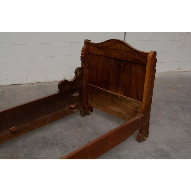 French Provincial Early 19th Century French Provincial Walnut Daybed Frame For Sale - Image 3 of 12
